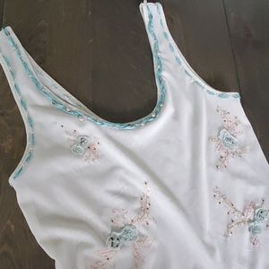 Tops - Delicate floral embroidered camisole